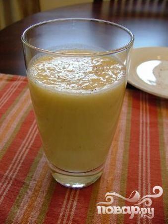 Витаминный напиток из апельсина и миндаля