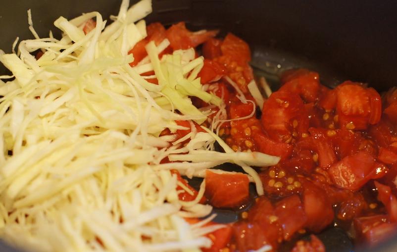 Рецепт Тушеная капуста с картошкой в мультиварке