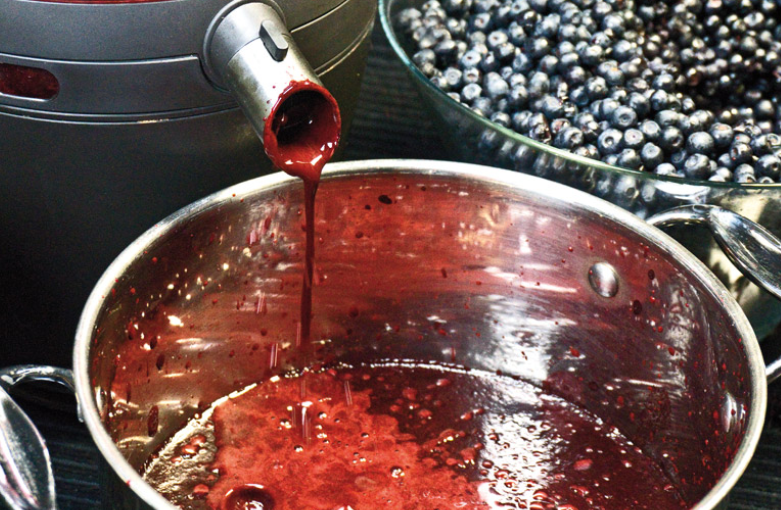 Черничное вино - фото шаг 1