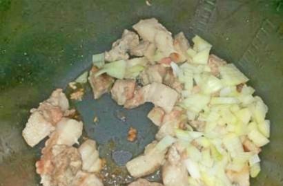 Азу свиное в мультиварке - фото шаг 2