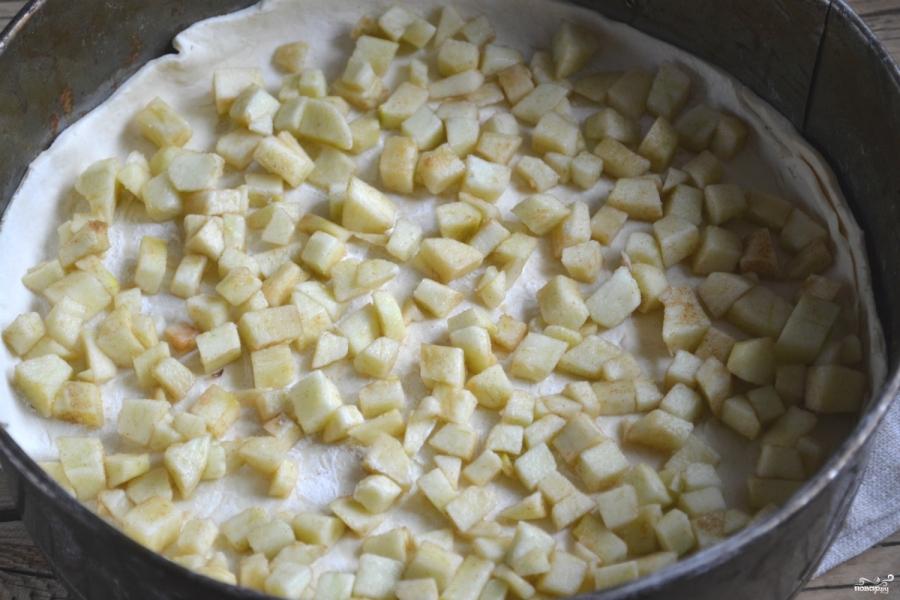 Яблочный пирог из слоеного теста - фото шаг 4