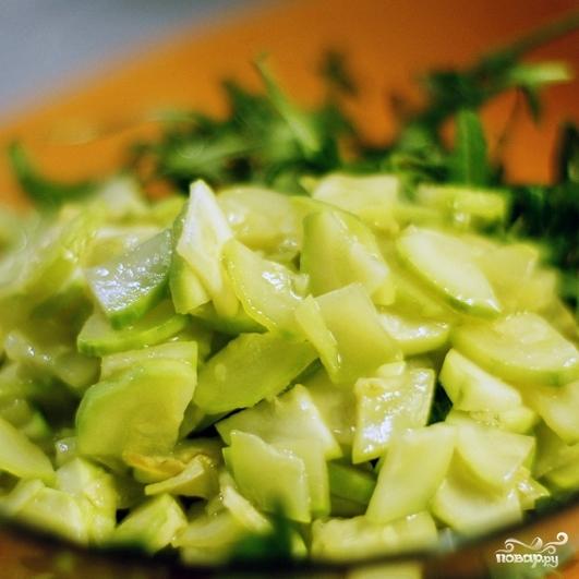 Зеленый салат с каперсами - фото шаг 6