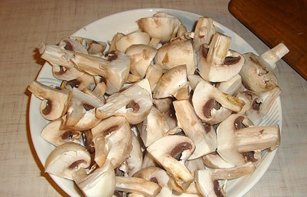 Тушеное мясо с грибами - фото шаг 2