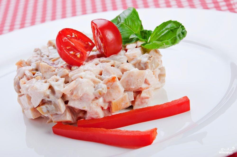 Рецепт Салат с грибами и курицей