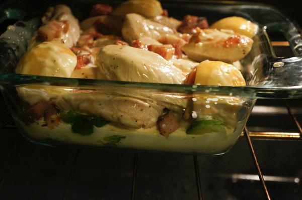 Запеченная курица в сливочном соусе - фото шаг 6