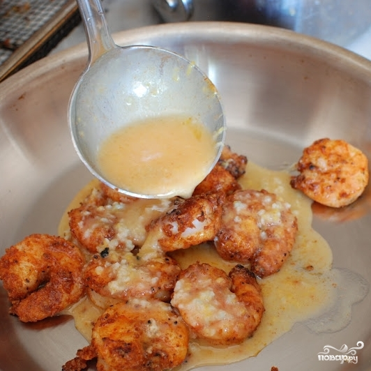 Паста с жареными креветками и лимонно-чесночным маслом - фото шаг 12