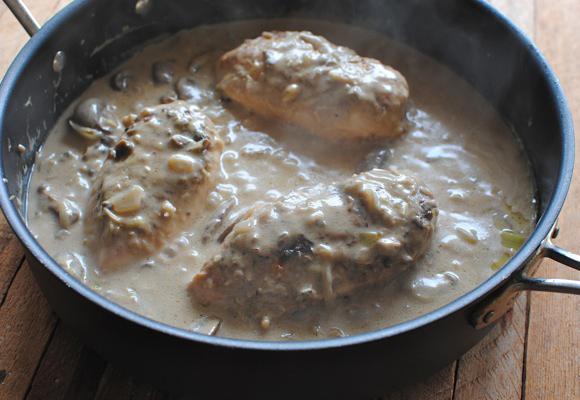 Курица в сливочно-грибном соусе - фото шаг 5