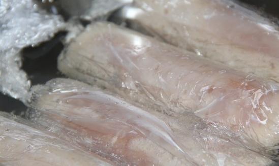Домашние сосиски в пищевой пленке - фото шаг 3