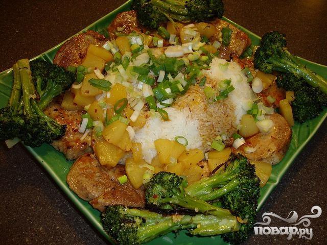 Рецепт Свинина с брокколи и ананасами