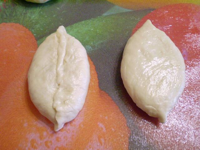 Пирожки с яйцом и зеленью - фото шаг 16