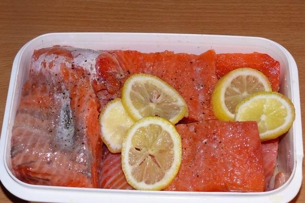 Рецепт Кижуч, запеченный с овощами