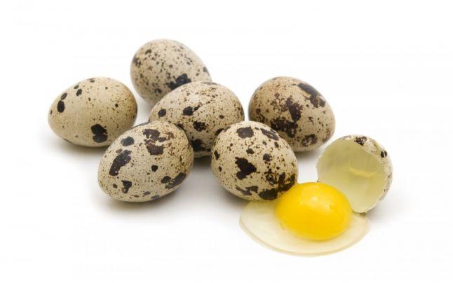 Омлет из перепелиных яиц - фото шаг 1