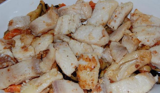 Пангасиус в духовке с овощами - фото шаг 6