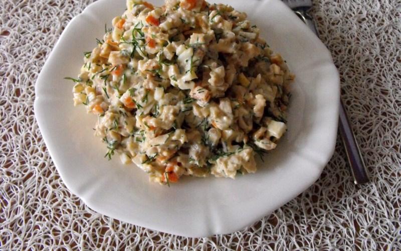 салат с курицей и грибами консервированными