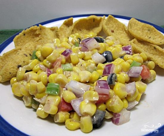 Рецепт Салат из чипсов и кукурузы