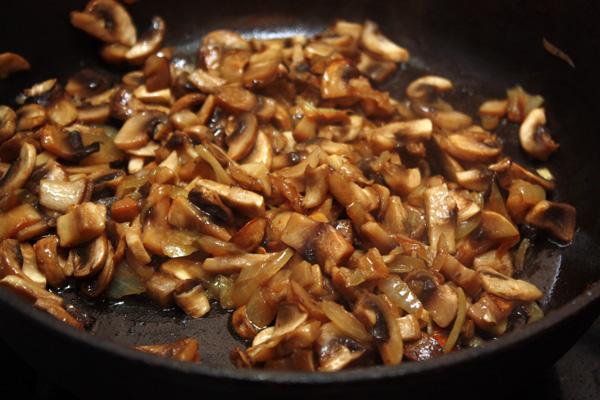 Рецепт Соус грибной со сметаной