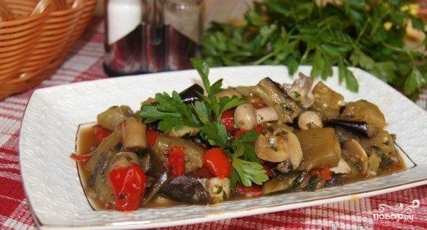 Тушеные баклажаны с грибами