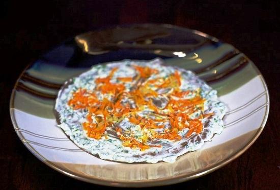 Печеночный торт с морковью и луком - фото шаг 8
