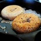 Рецепт Бургеры с индейкой, помидорами и козьим сыром