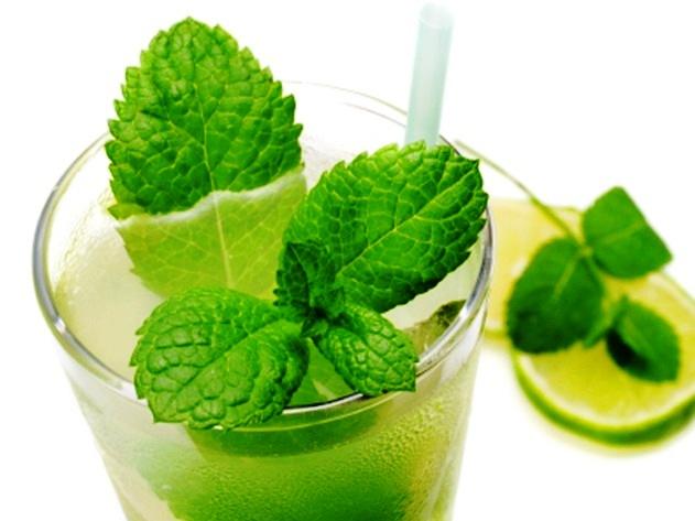 Алкогольный напиток в стиле Мохито - фото шаг 4