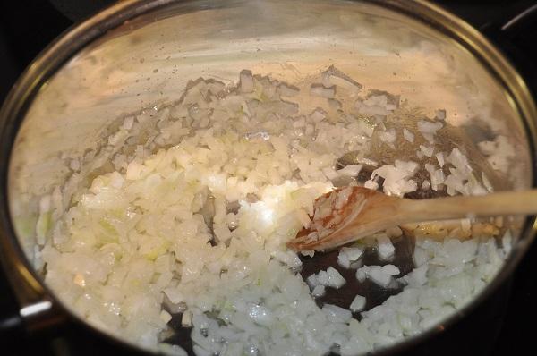 Рецепт Отварная курица в сметанном соусе