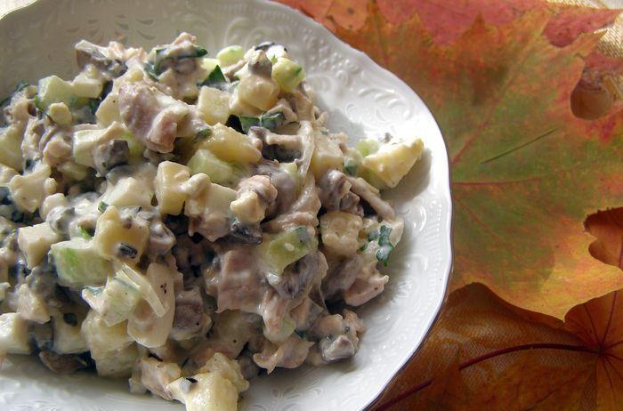 """Салат """"Оливье"""" с грибами - фото шаг 8"""