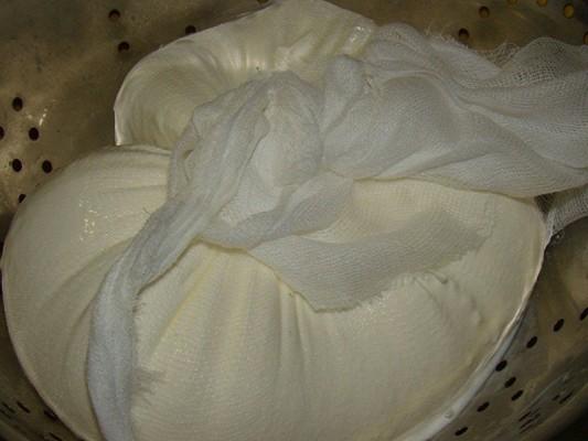 Cыр из сметаны в домашних условиях - фото шаг 4