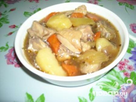 Тушеный цыпленок с овощами