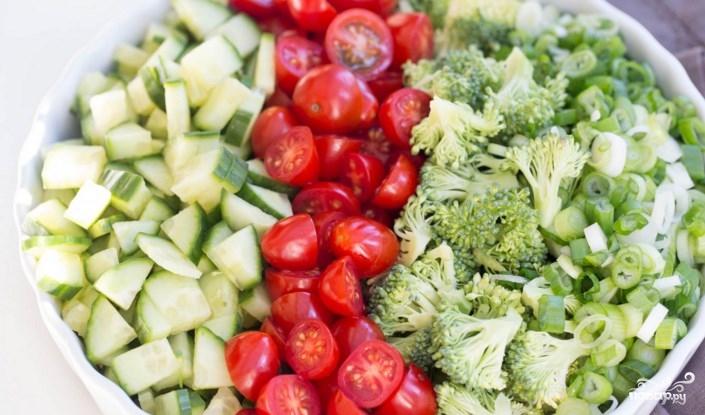 Салат из брокколи и овощей - фото шаг 2