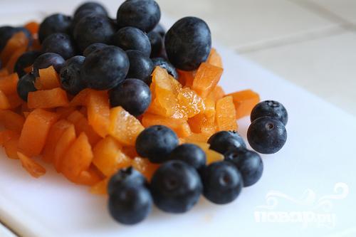 Маффины с черникой и абрикосами - фото шаг 2