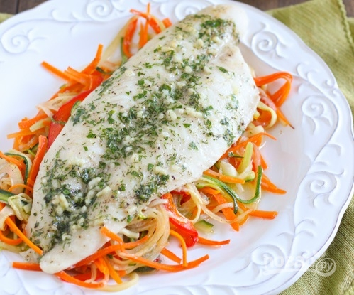 Рыба в духовке с овощами - фото шаг 10