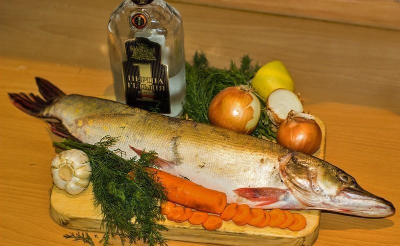 Рыбный суп из щуки - фото шаг 1
