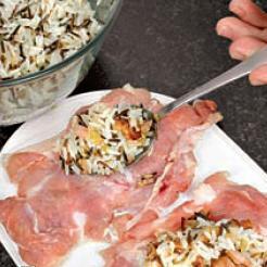 Мешочки из курицы с рисом - фото шаг 5