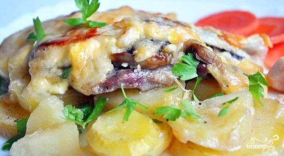 Мясо с картошкой помидорами сыром в духовке рецепт