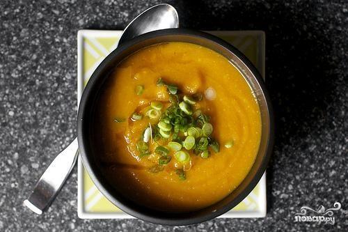 Морковный суп с мисо и кунжутом