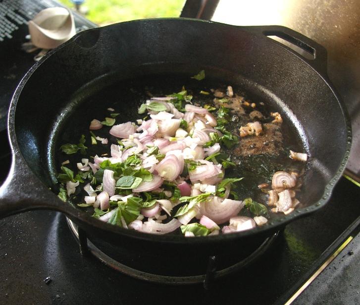 Стейк из свинины на сковороде - фото шаг 6