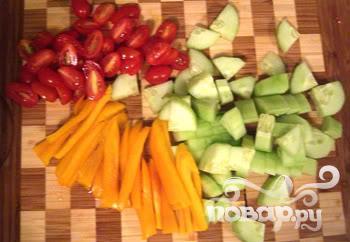 Салат, рыба и авокадо - фото шаг 3