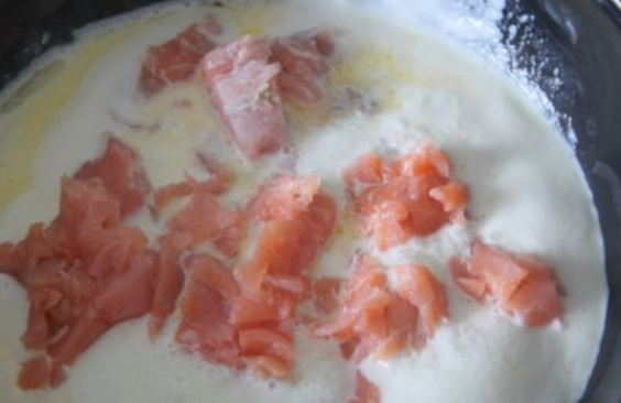 Паста с форелью в сливочном соусе - фото шаг 3