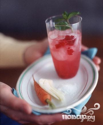 Рецепт Алкогольный коктейль из малины с травами