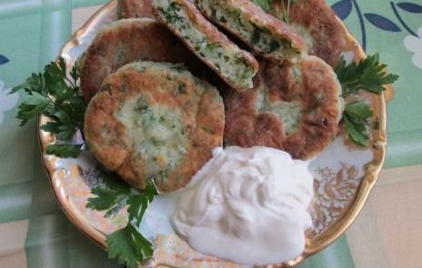 Соленые сырники с зеленью - фото шаг 6