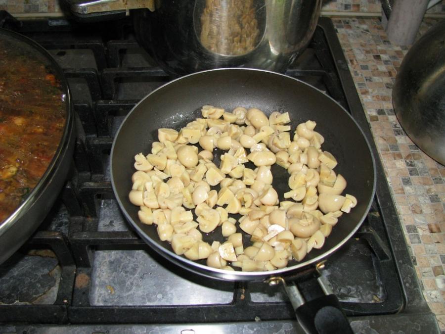 Мягкая говядина на сковороде - фото шаг 10