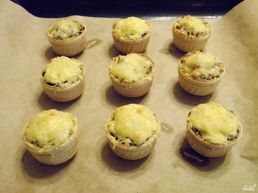Жульен в тарталетках с грибами и курицей - фото шаг 8