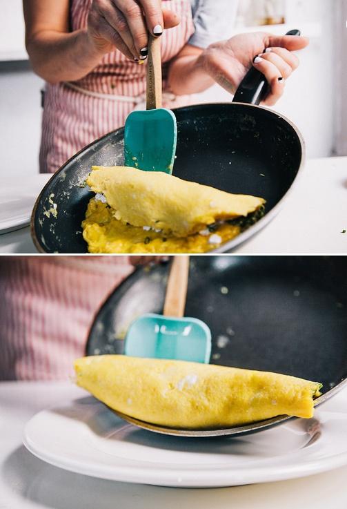 Французский омлет с сыром - фото шаг 7