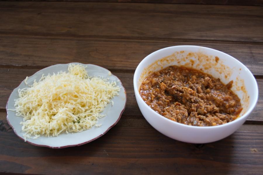 Рецепт Салат с сайрой и сыром