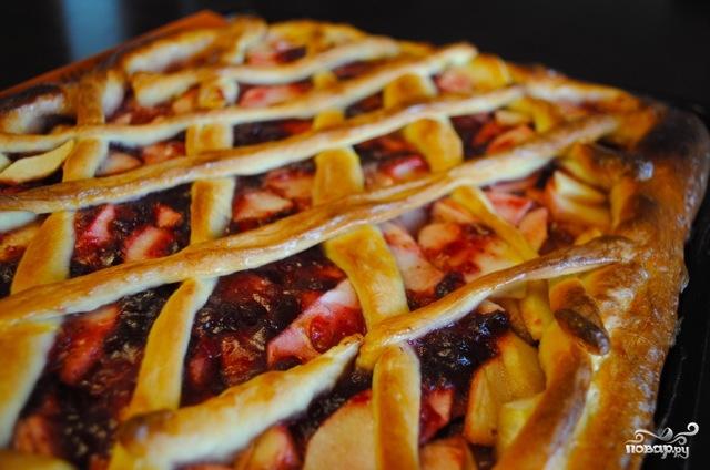 Дрожжевой пирог с яблоками и брусникой - фото шаг 12
