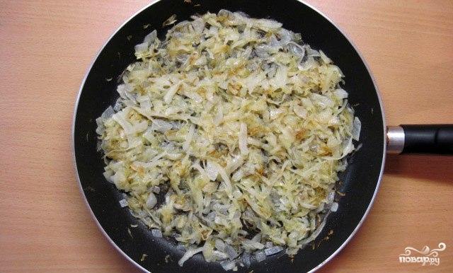 Пирожки жареные с капустой - фото шаг 5