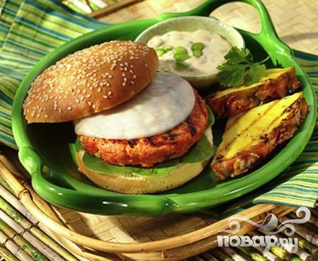 Рецепт Бургеры с лососем и базиликом