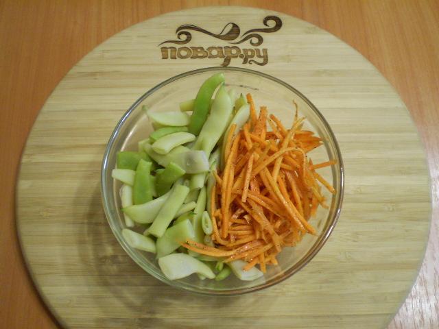 Салат с корейской морковью и фасолью