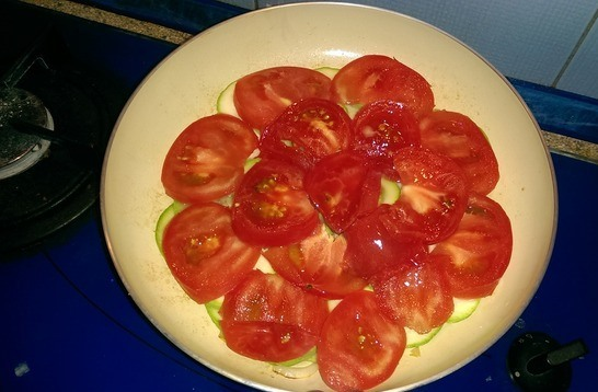 Омлет с кабачками и помидорами - фото шаг 3