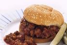 Гамбургер с говяжьим фаршем и сельдереем